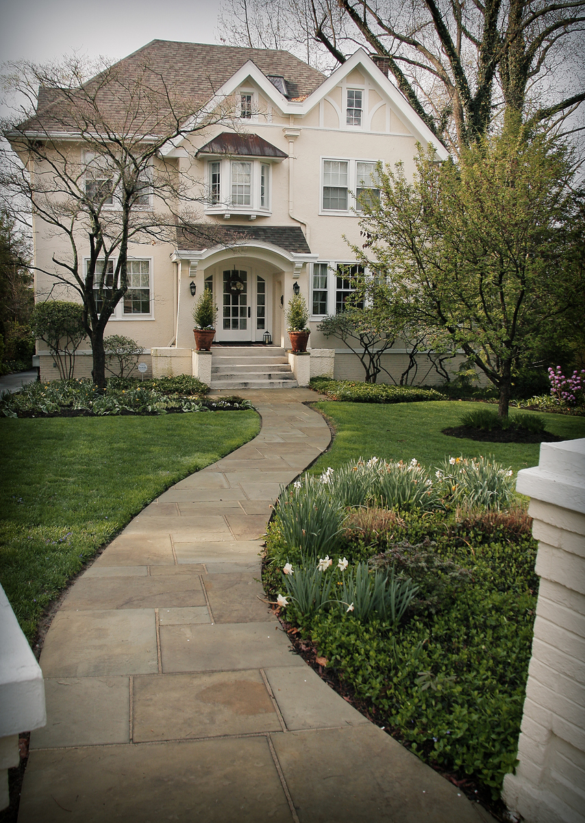 Existing Home Sales Rise to 6 1/2 Year High